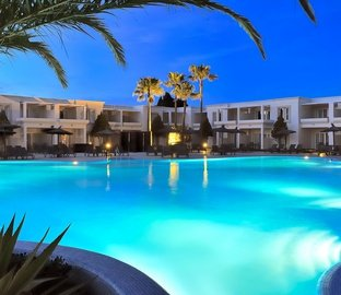 Piscine de nuit  Vincci Costa Golf Chiclana